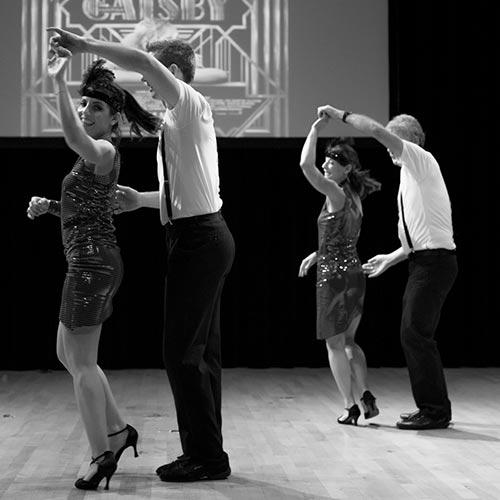 Couple qui danse la bachata à grenoble